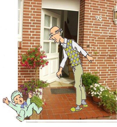 Herr Grimmig vor Tür mit Baby