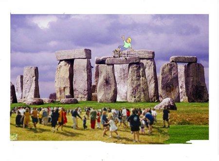 32 Stonehengers