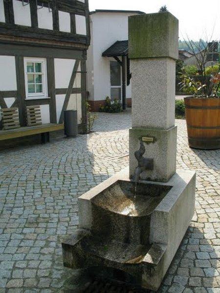 27 Brunnen